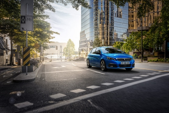 reveal peugeot 308 Vertigo Blue