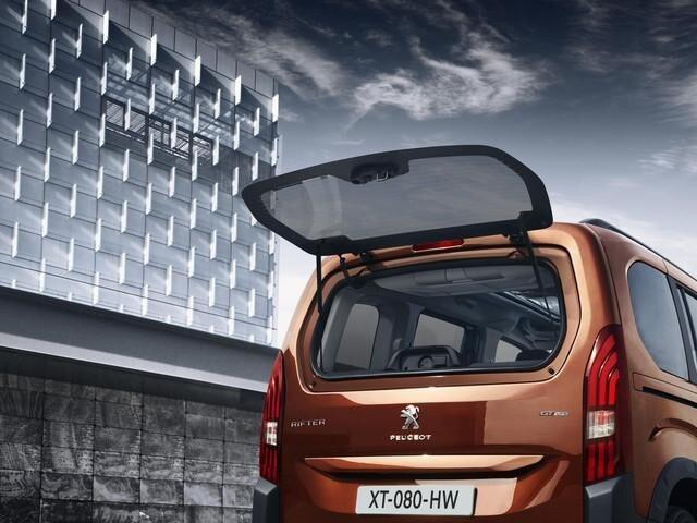 Peugeot Rifter заднє вікно, що відкривається