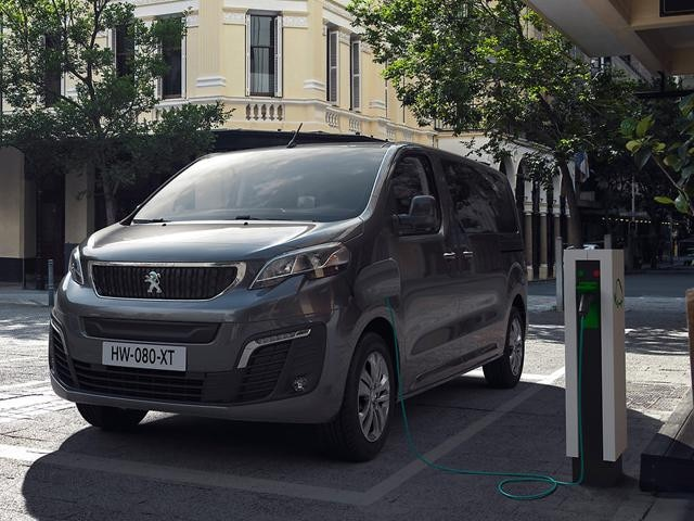Peugeot Traveller: основне обладнання