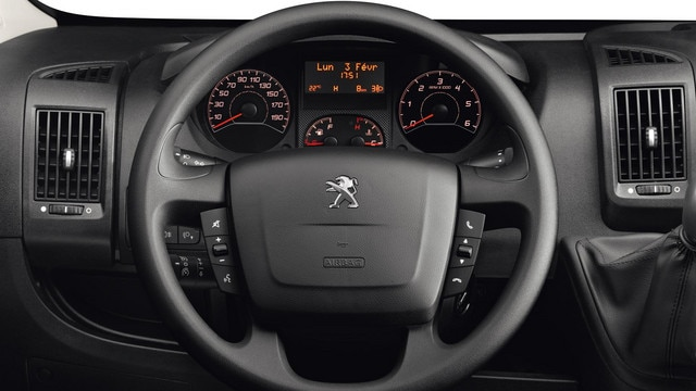 /image/96/4/peugeot-boxer-photo-interior-2-1920.110964.jpg